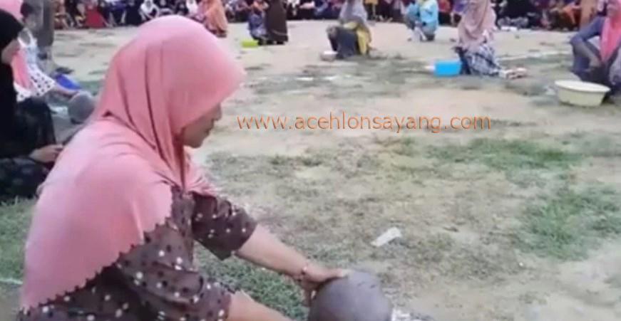 Kupas Kelapa, Adat Aceh