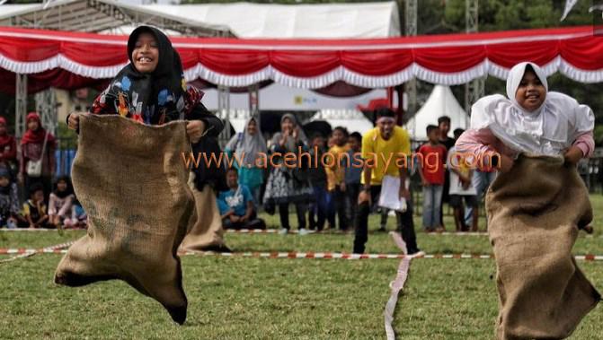 Lompat Karung, Stadion Lhong Raya Banda Aceh