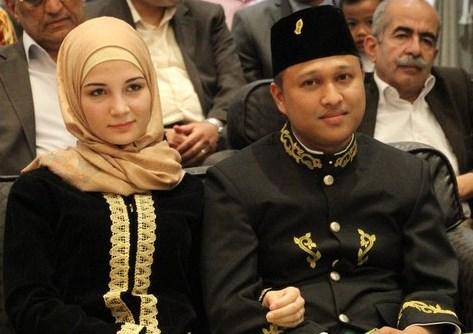 Munawar Juanan Raden dan Calon Istri Douha Muawiyah Kharraji